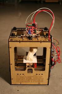 440px-MakerBot_ThingOMatic_Bre_Pettis